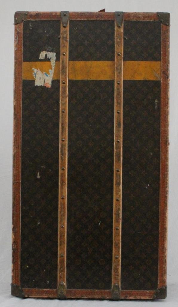 VINTAGE LOUIS VUITTON WARDROBE GARMENT TRUNK