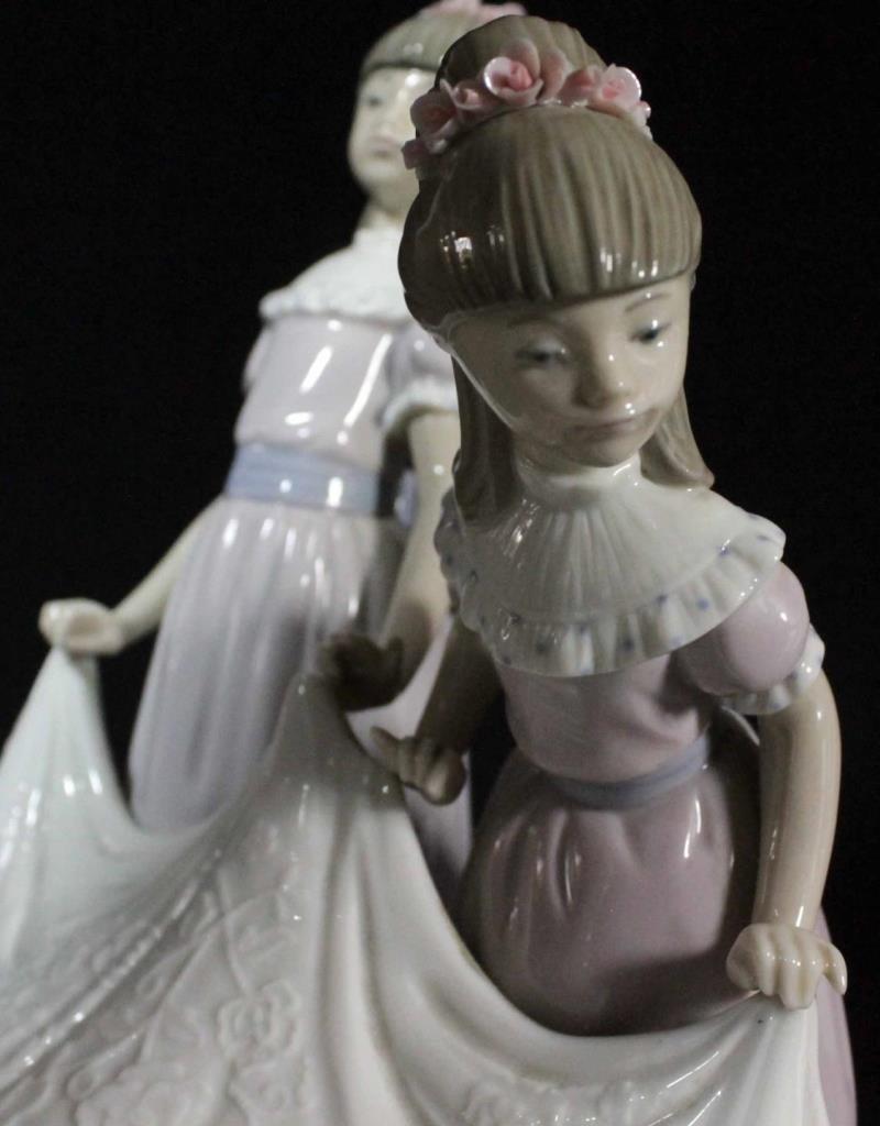 LLADRO FIGURE 'HERE COMES THE BRIDE' 1446 - 7