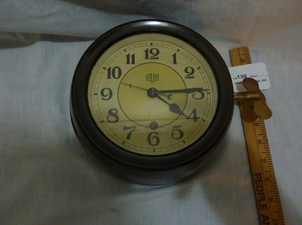 138: Bakelite Case German GUB Glashutte / SA Clock