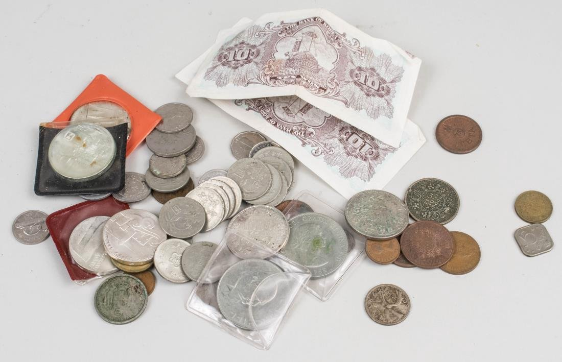 Miscellaneous Group of Currency, Tokens and Medals