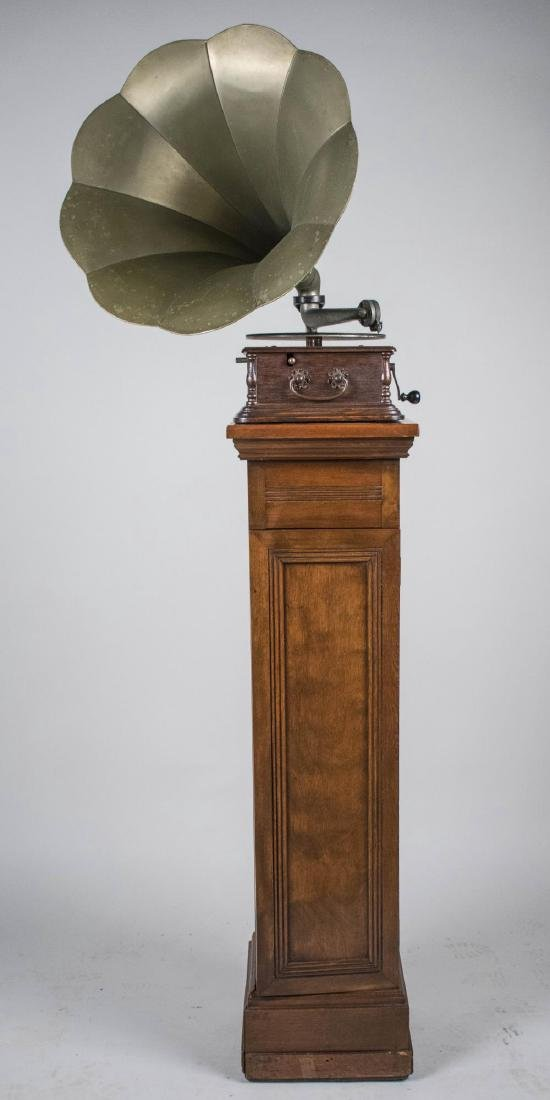 Churchill Disc Graphophone with Horn