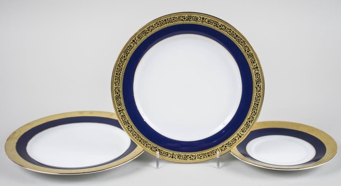 Muirfield Porcelain Dinner Set