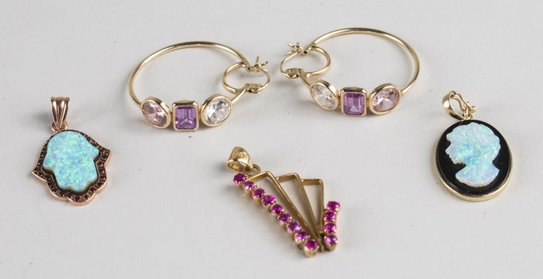 Group of Gold Jewelry   *