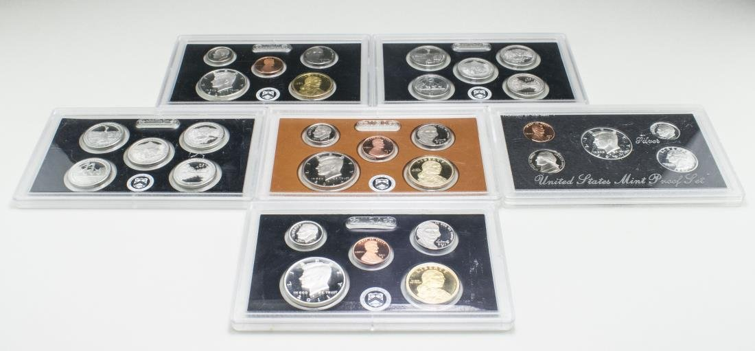 Six Uncirculated US Coin Sets   *