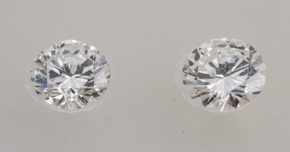 Pair of Loose Diamonds   *
