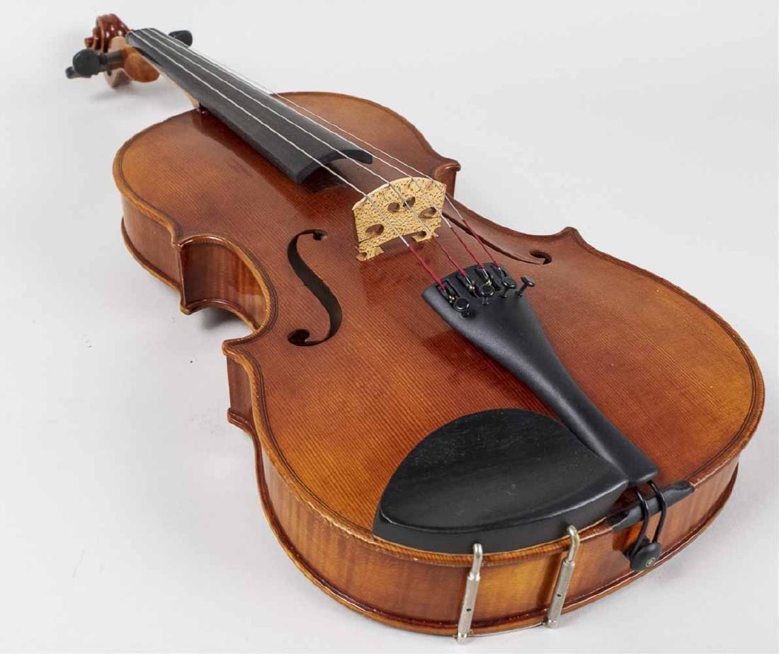 Roman Teller (Italian) Viola   * - 9