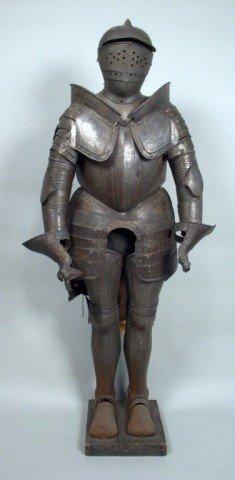 460: Decorative Suit of Armour