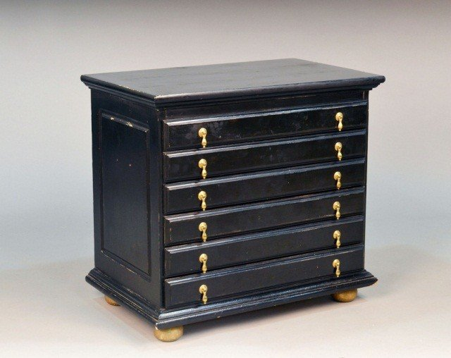 495: William and Mary Style Jewelry Chest