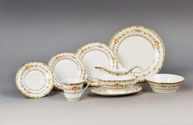386: Royal Worcester Porcelain Dinner Service