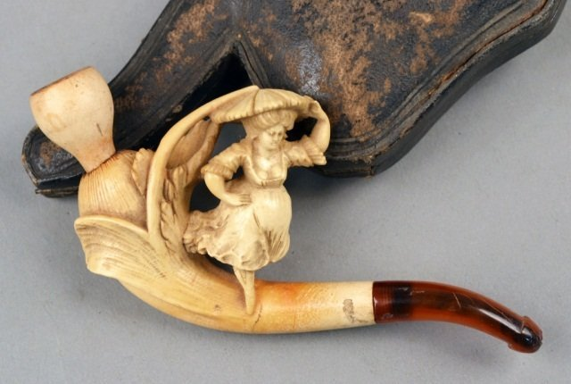 388: Meerschaum Pipe and Two Cases