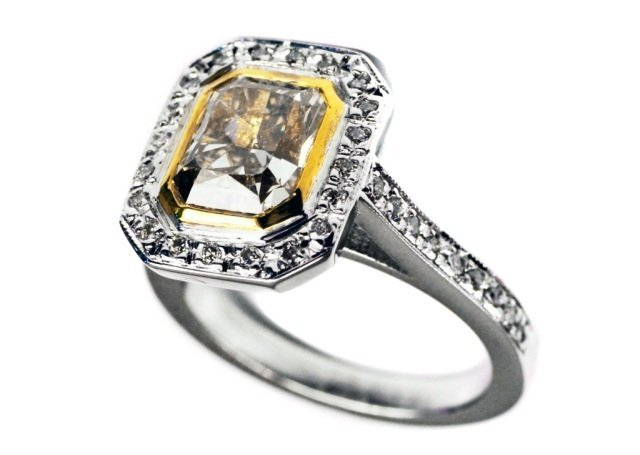 241: Gold and Diamond Ring
