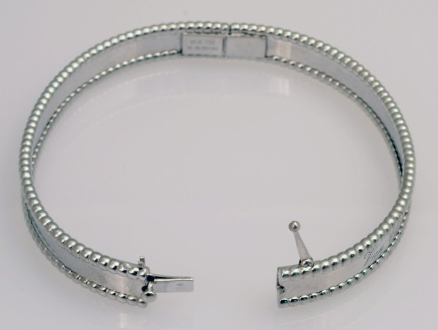 Van Cleef & Arpels Perlee Signature Bracelet   * - 3