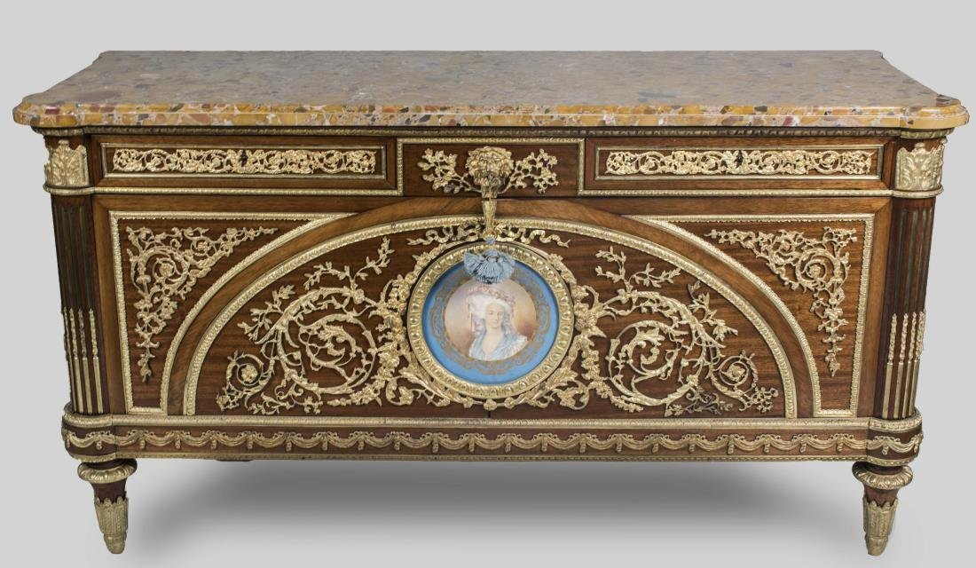 Louis XVI Style Commode a Vantaux