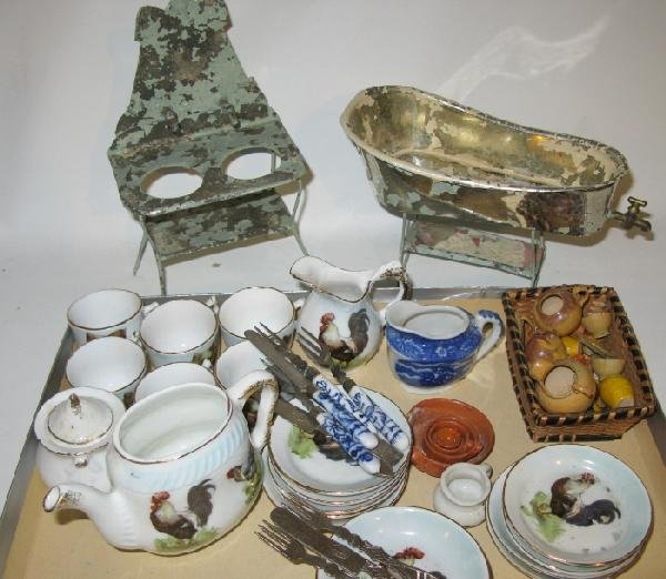 47: Lot Vintage Doll House Accessories: