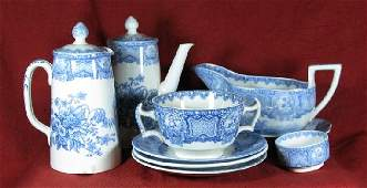 2036: 32 pieces of blue & white transfer ware