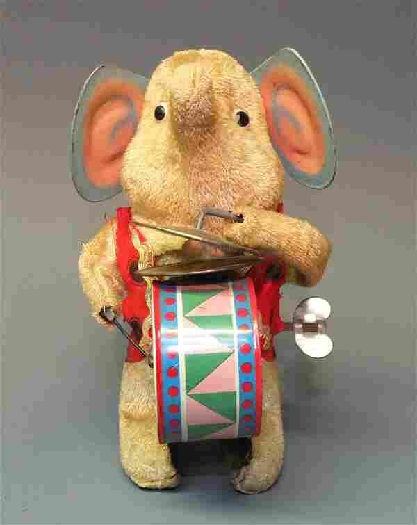 TIN WINDUP ELEPHANT PLAYING DRUM