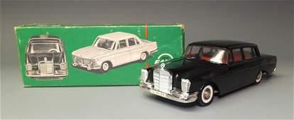 GAMA GERMAN MERCEDES 220 WINDUP & BOX