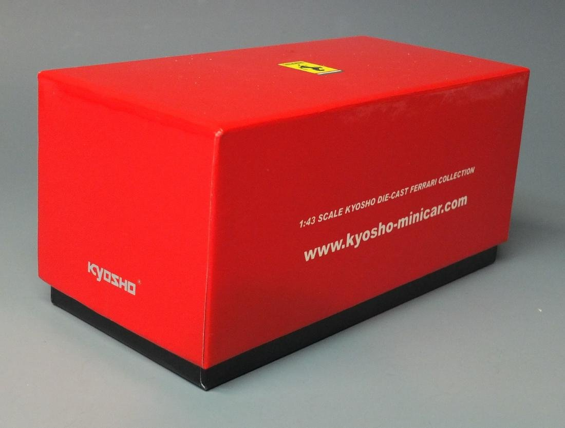 KYOSHO RED FERRARI 365GTB4 EARLY VERSIONÿ1:43 SCALE - 7