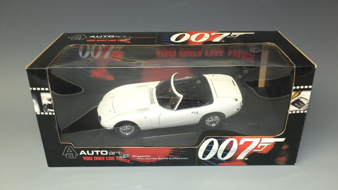 AUTOART JAMES BOND 007 YOU ONLY LIVE TWICEÿTOYOTA 2000