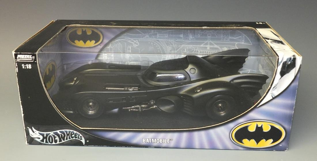 HOT WHEELS METAL COLLECTIONÿBATMOBILE 1:18ÿCAR