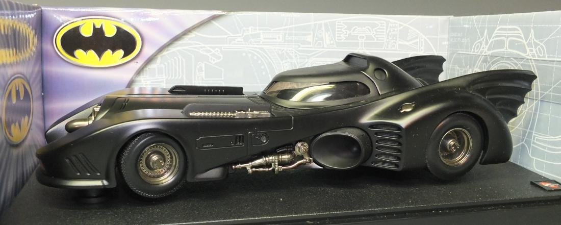 HOT WHEELS METAL COLLECTIONÿBATMOBILE 1:18ÿCAR - 2