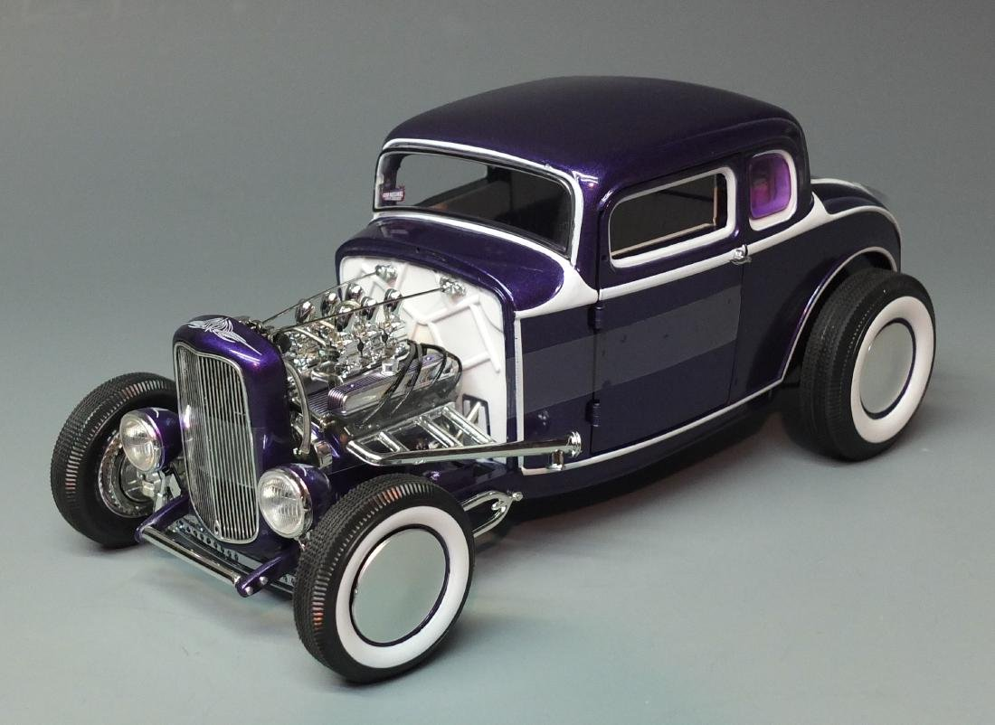 ACME PURPLE 1932 FORD 5 FIVE WINDOW COUPE GRAND - 2