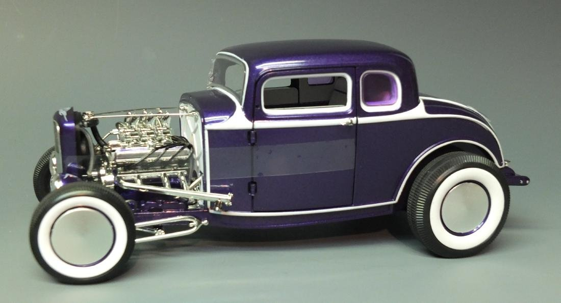 ACME PURPLE 1932 FORD 5 FIVE WINDOW COUPE GRAND - 3