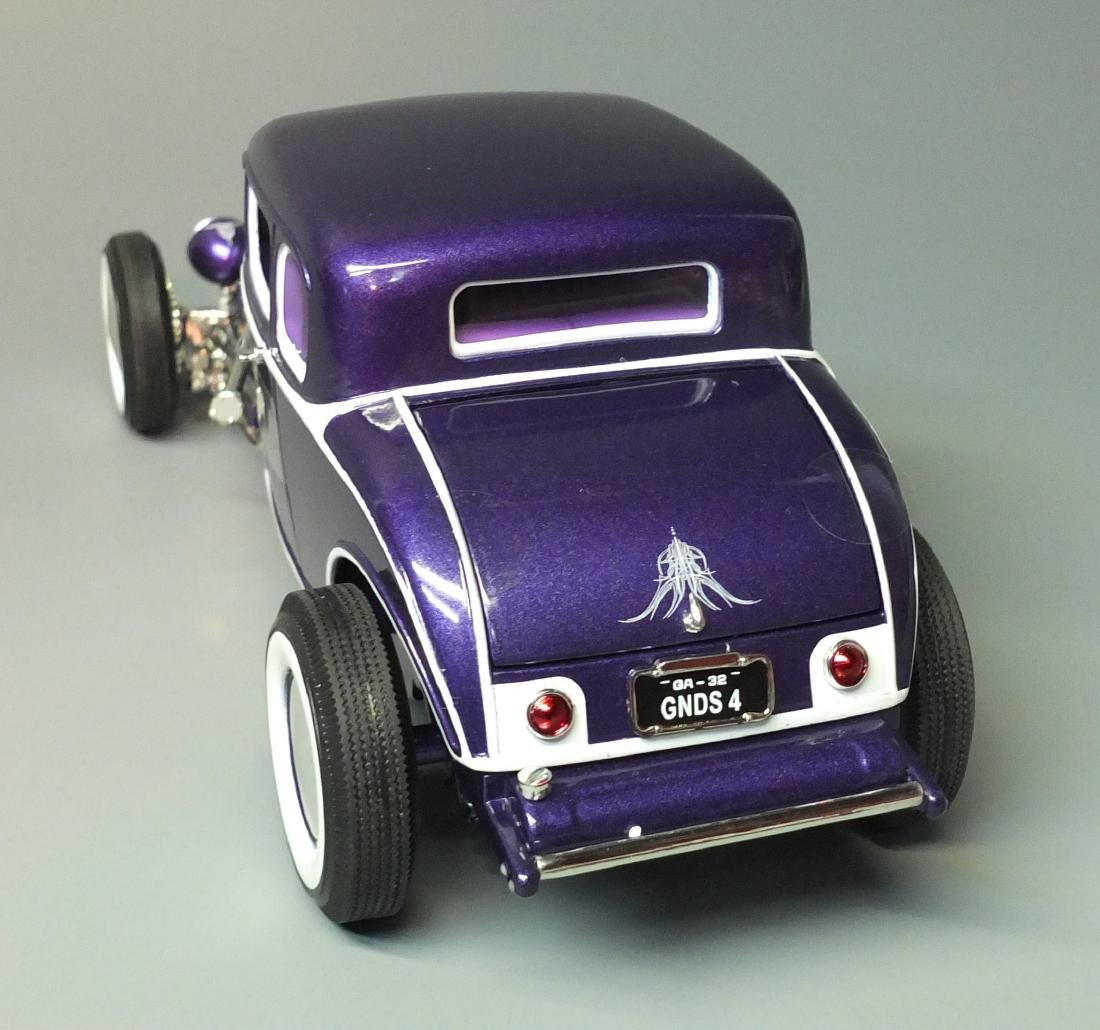 ACME PURPLE 1932 FORD 5 FIVE WINDOW COUPE GRAND - 6