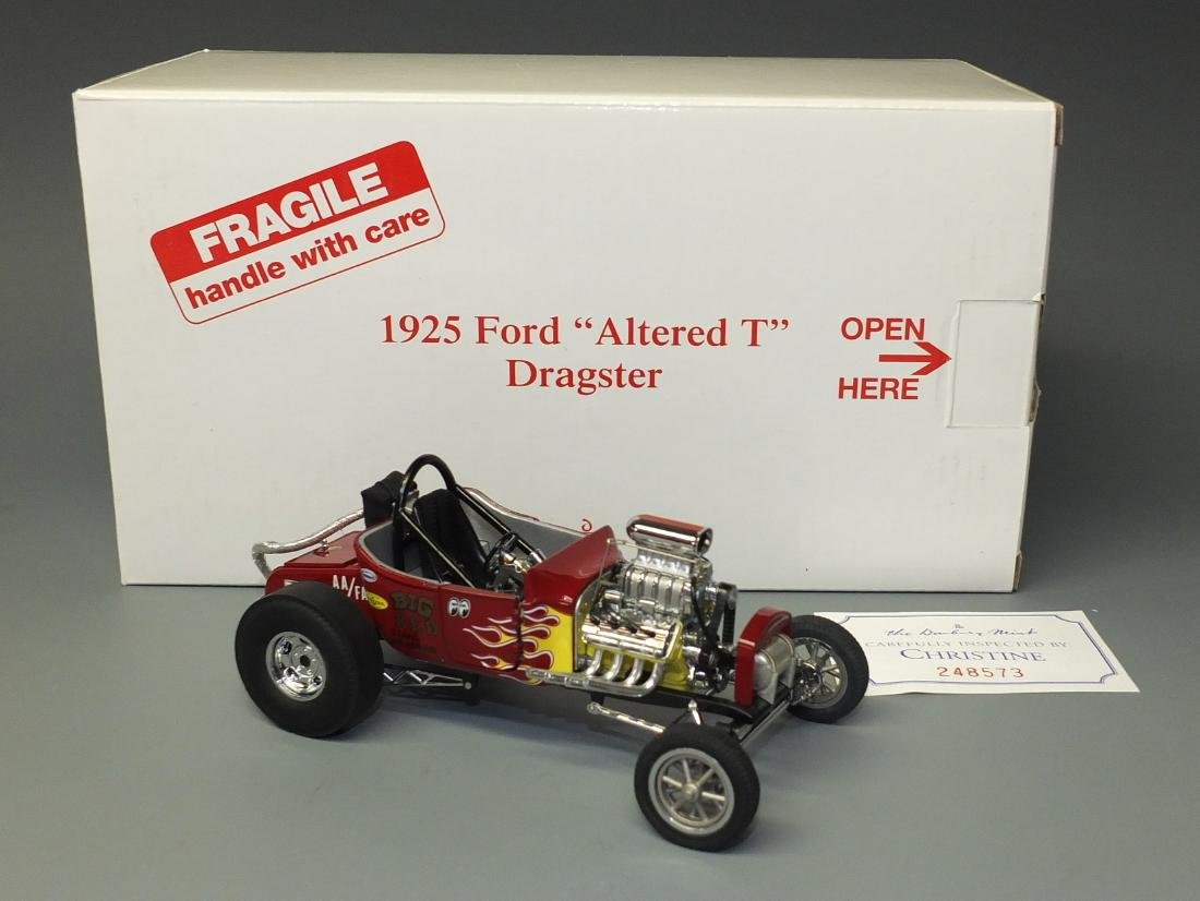 DANBURY MINT 1925 FORD ALTERED T DRAGSTER 1:24 CAR