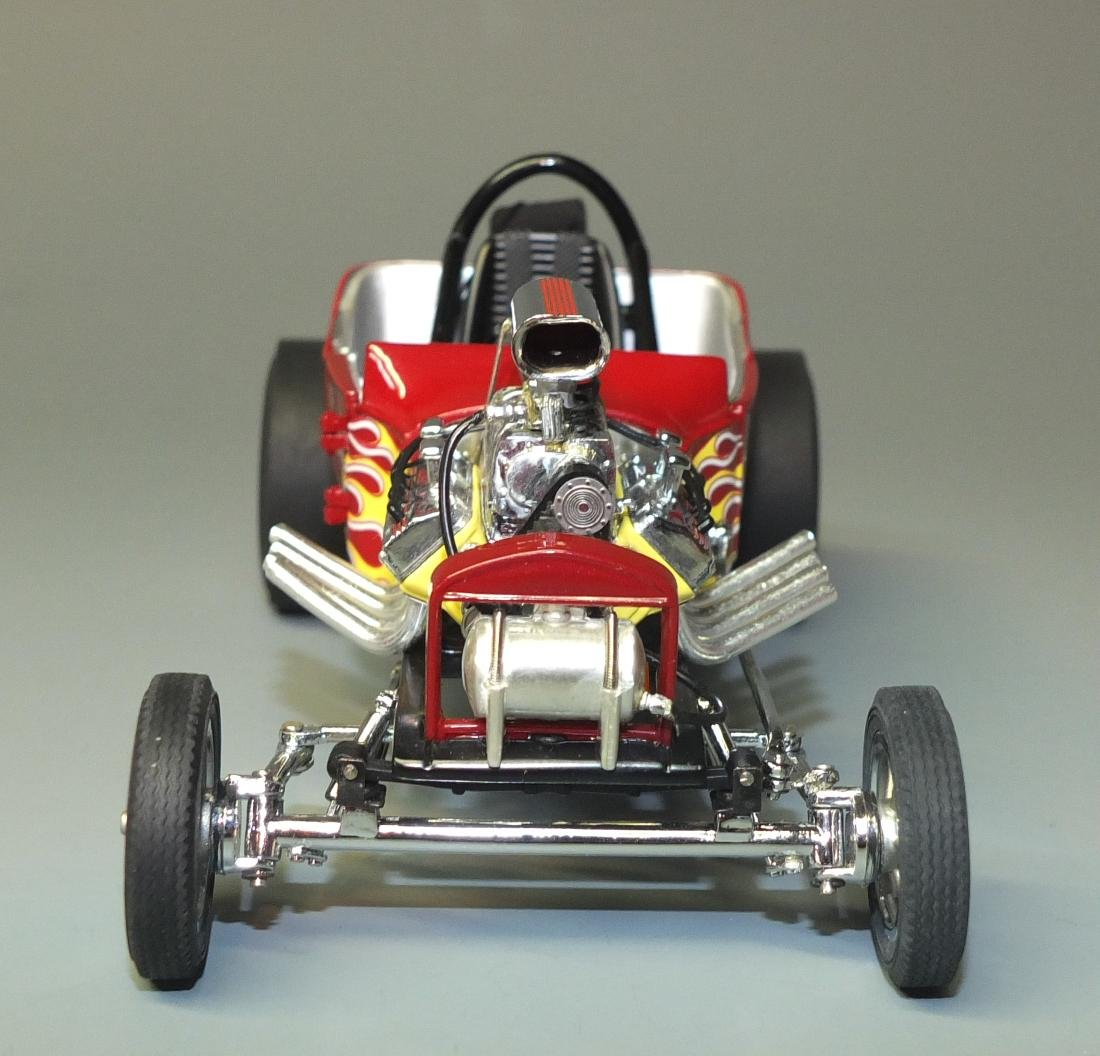 DANBURY MINT 1925 FORD ALTERED T DRAGSTER 1:24 CAR - 4