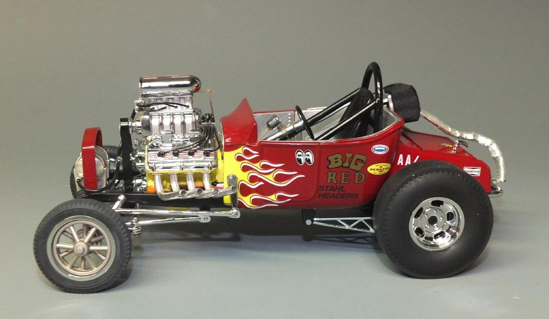 DANBURY MINT 1925 FORD ALTERED T DRAGSTER 1:24 CAR - 5