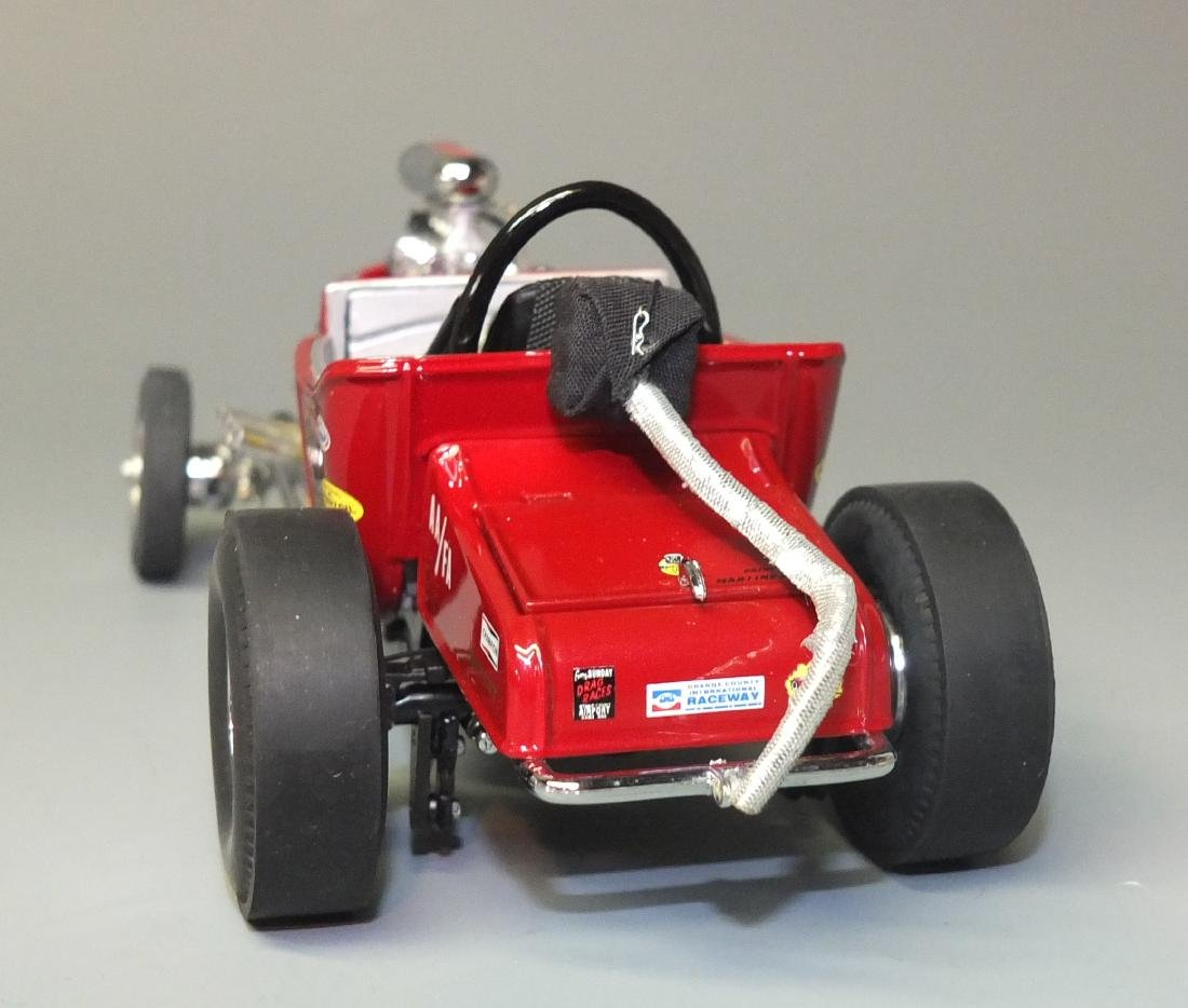 DANBURY MINT 1925 FORD ALTERED T DRAGSTER 1:24 CAR - 6