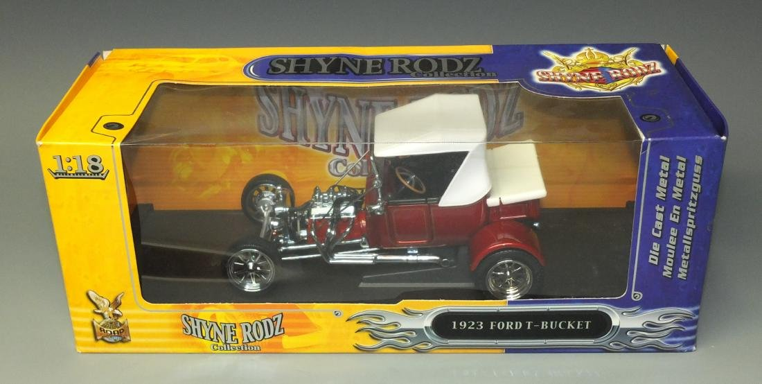 ROAD SIGNATURE SHYNE RODZ RED 1923 FORD T-BUCKET 1:18