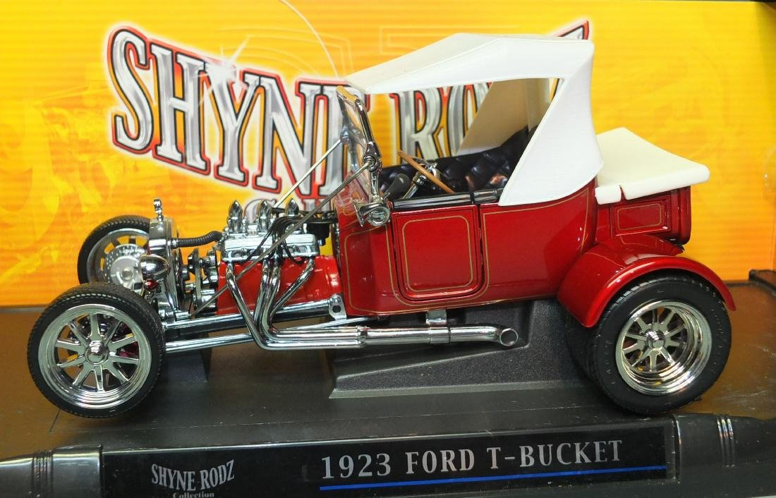 ROAD SIGNATURE SHYNE RODZ RED 1923 FORD T-BUCKET 1:18 - 2