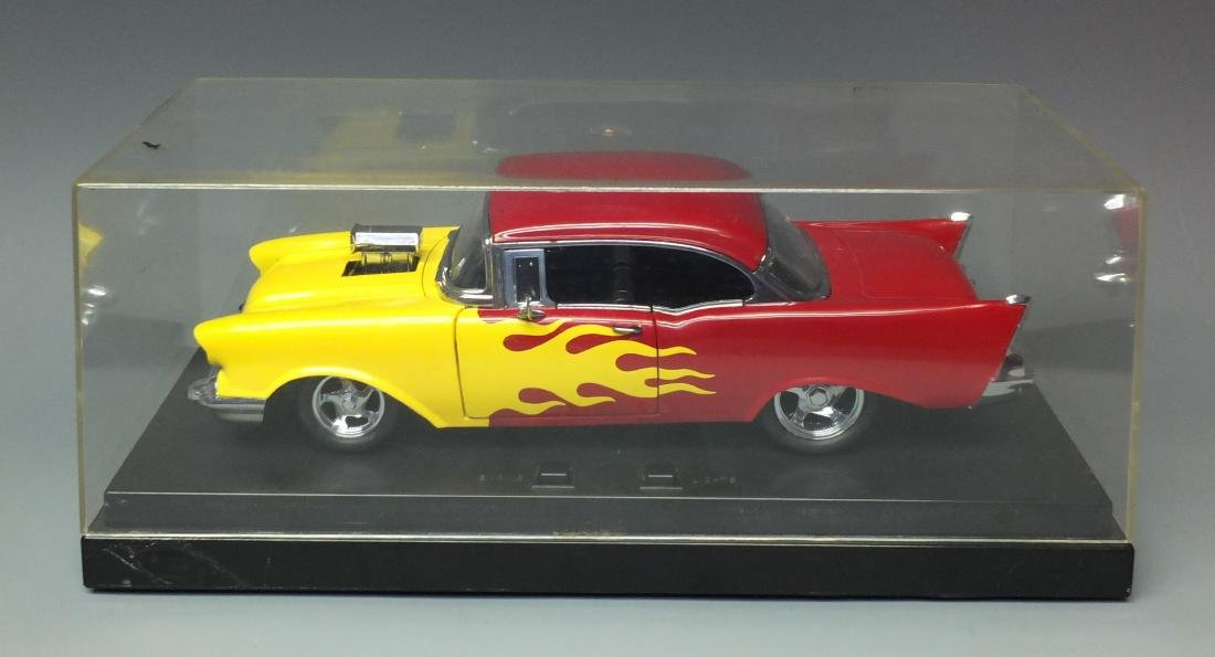 ERTL AMERICAN MUSCLE 1957 CHEVY 1:18 CAR W/LIGHTS &