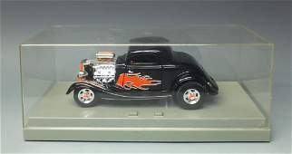 ERTL AMERICAN MUSCLE 1934 FORD COUPE 1:18 CAR W/LIGHTS