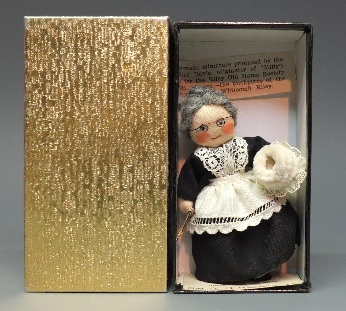 MILLY'S MINIATURES OLD AUNT MARY DOLL & BOX