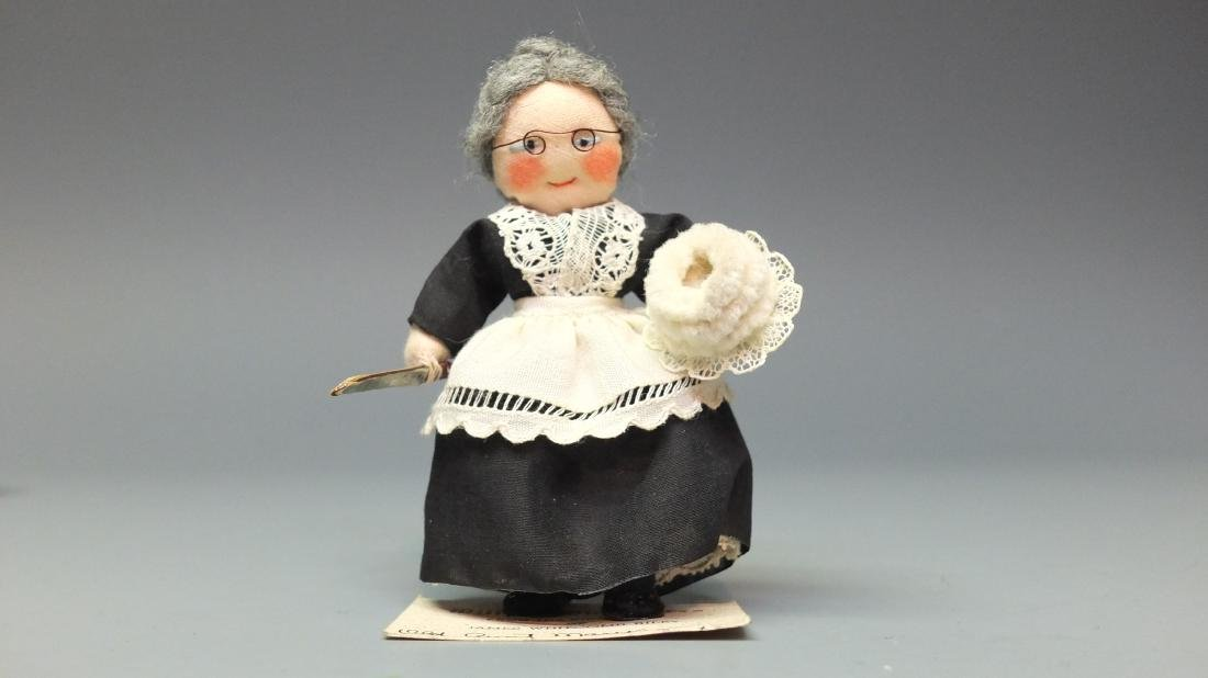MILLY'S MINIATURES OLD AUNT MARY DOLL & BOX - 3