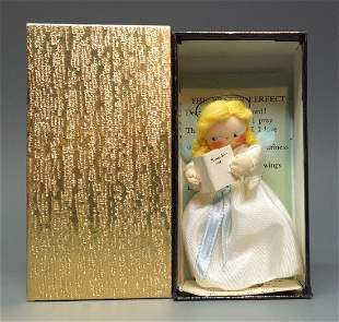 MILLYS MINIATURES PRAYER PERFECT DOLL BOX