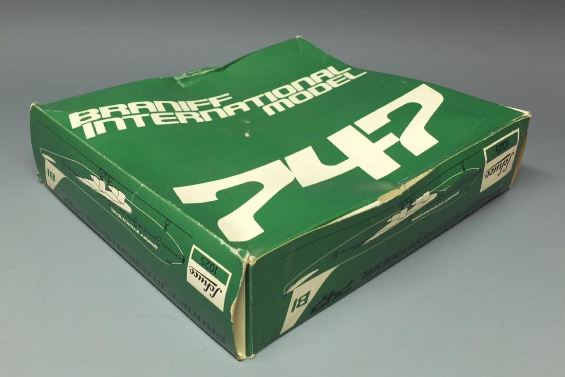 SCHUCO 1025 BRANIFF WINDUP 747 JET & BOX - 9