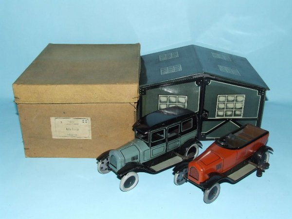 9: BING GARAGE With 2 TIN WIND UP TOY CARS & BOX