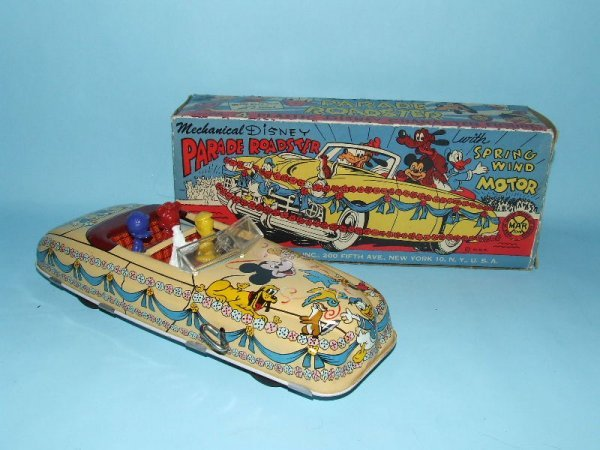 19: MARX DISNEY PARADE ROADSTER TIN WIND UP CAR & BOX