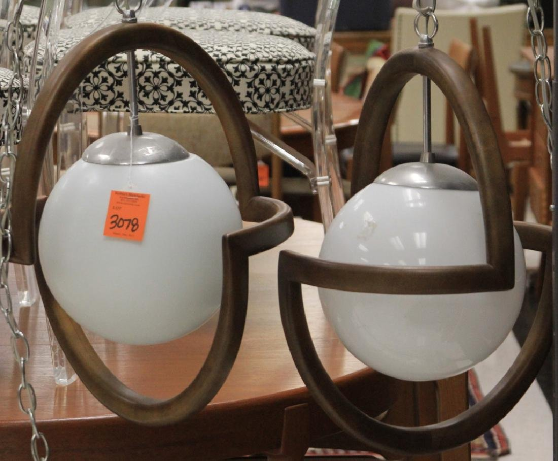 PAIR OF MID-CENTURY HANGING LAMPS - 2