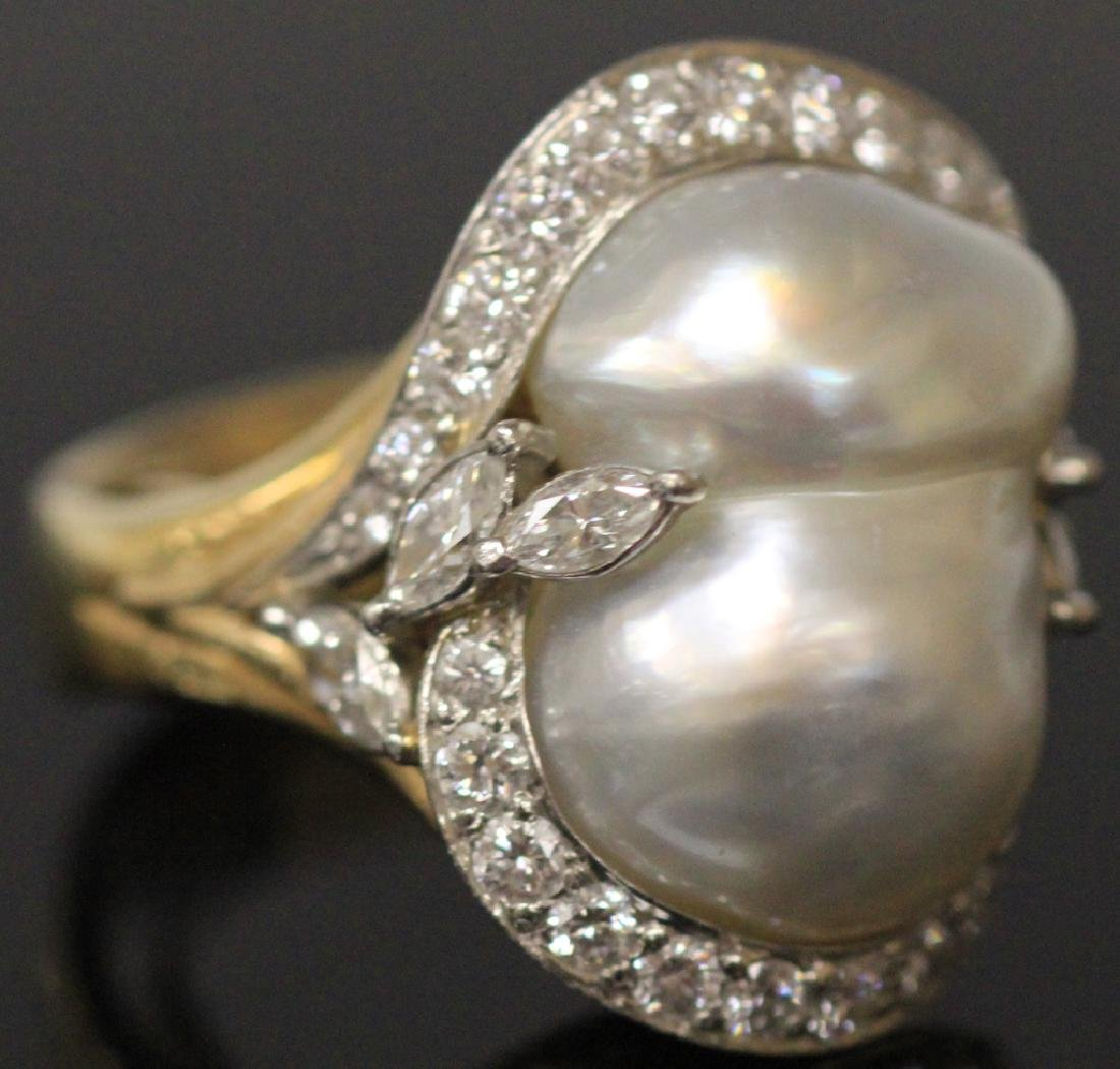 DIAMOND AND PEARL 18KT RING