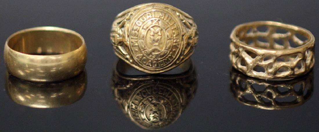 LOT OF (3) 10KT - 14KT GOLD RINGS