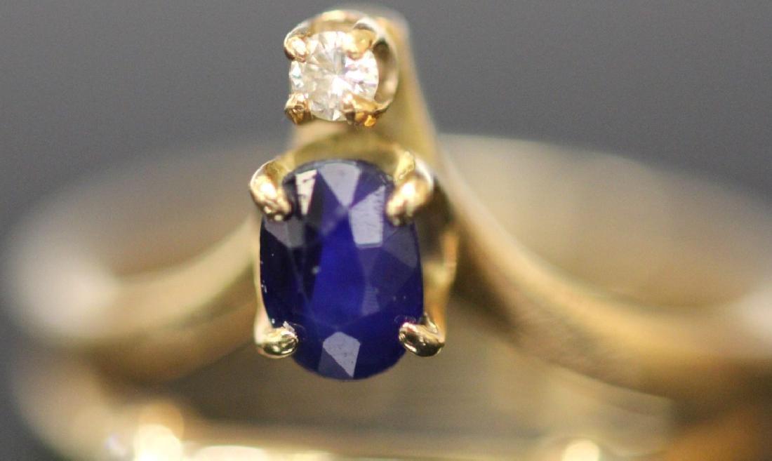 LADY'S SAPPHIRE & DIAMOND 14KT YELLOW GOLD RING - 2