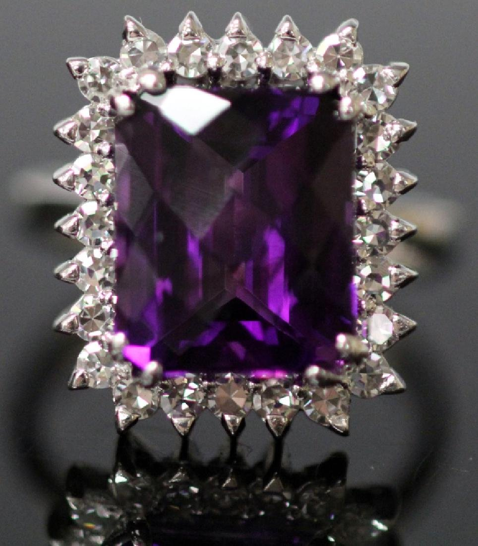 LADY'S AMETHYST & DIAMOND 14KT GOLD RING