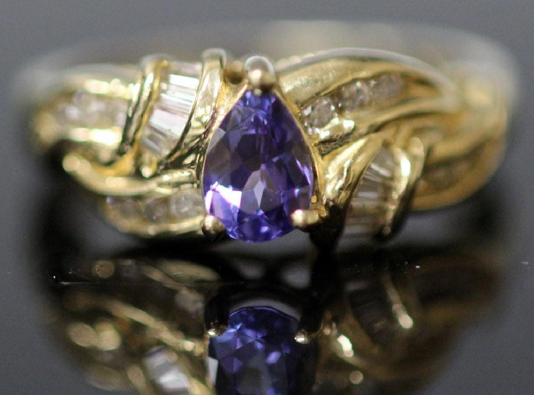 LADY'S TANZANITE & DIAMOND 14KT GOLD RING