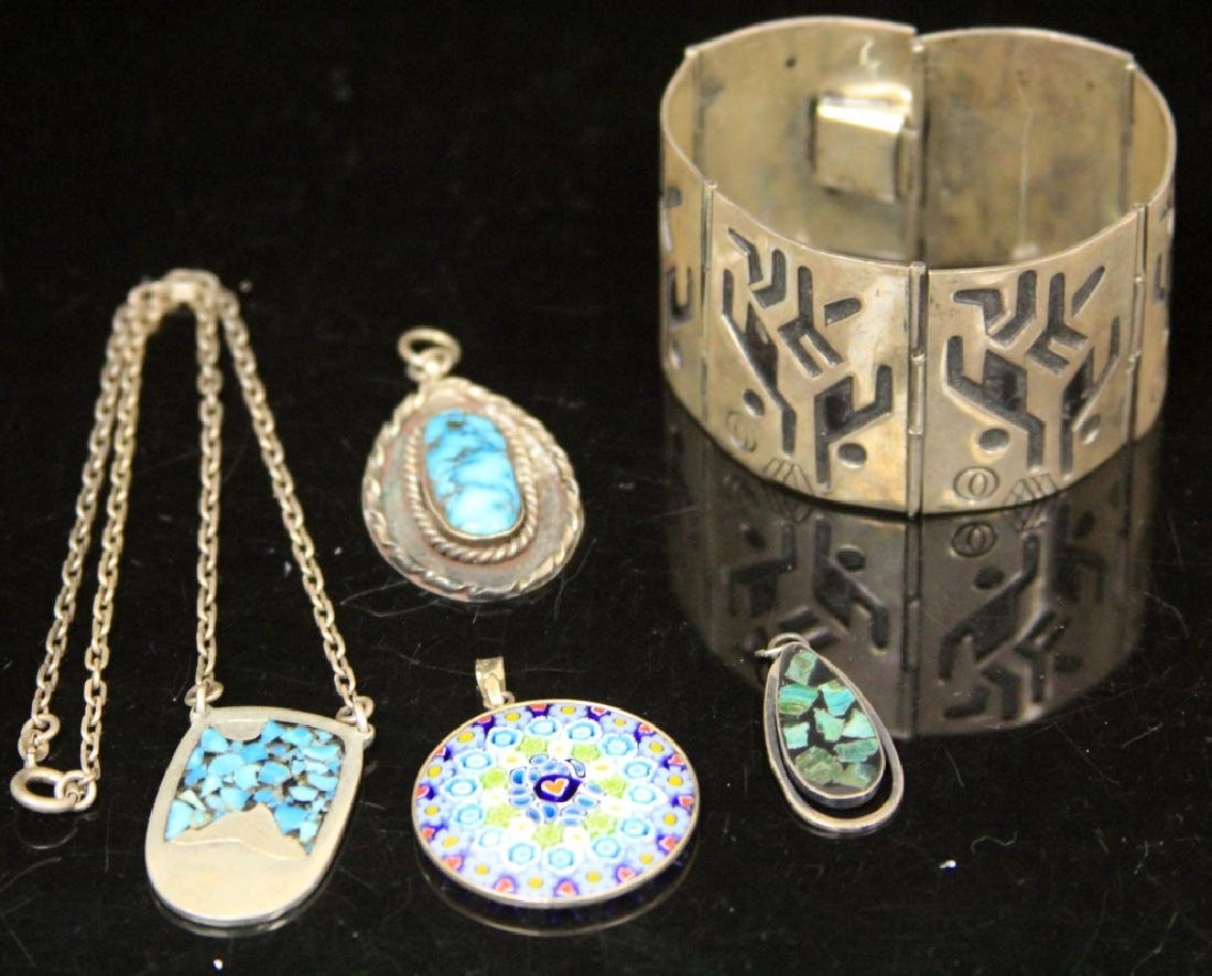 LOT OF (5) NATIVE AMERICAN SILVER JEWELRY