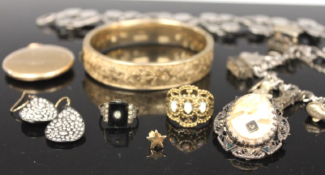 LOT OF (8) VINTAGE JEWELRY, INCL. SILVER - 2